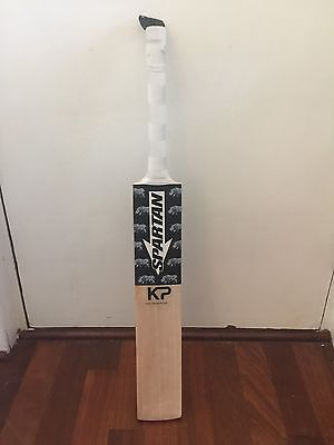 Spartan Save The Rhinos Kevin Pietersen Pro Model Kp Finest English Willow 2.9