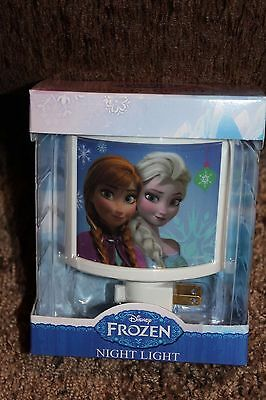 NEW plastic DISNEY plug-in FROZEN on/off switch NIGHT LIGHT anna ELSA white
