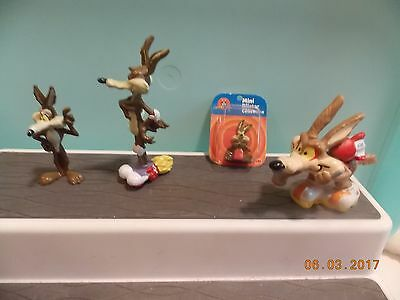 4 Wyle E. Coyote Figures