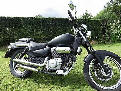 Hyosung gv 125 aquila motorcycle, low seat, nice exhaust, delivery available