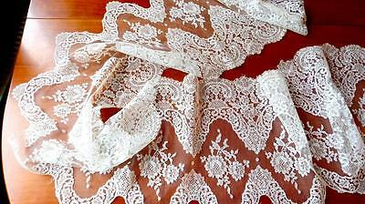 FANTASTIC ANTIQUE WHITE SILK FRENCH FLORAL CHANTILLY LACE WEDDING DRESS 120x15""