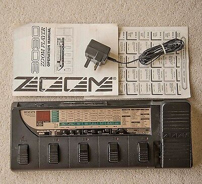 zoom multi effects guitar pedal 3030 made in japan picclick uk. Black Bedroom Furniture Sets. Home Design Ideas