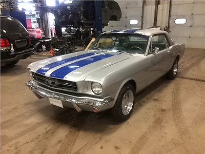 1965 Ford Mustang 2 Door Coupe 1965 Mustang Coupe 3 Speed Manual!
