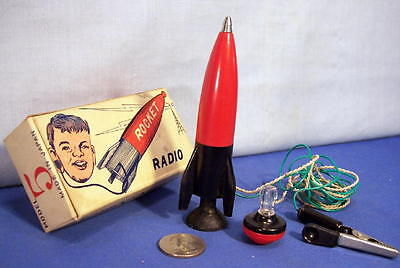 Vintage Germanium CRYSTAL ROCKET RADIO with Display Stand in Box 1949 Model 5