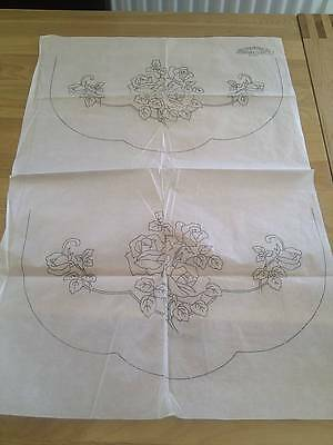 Beautiful Vintage Embroidery Transfer - ROSES  - Design for tablecloth