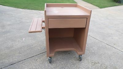 Cambro Concession Cashier Station Rolling Cart ES28