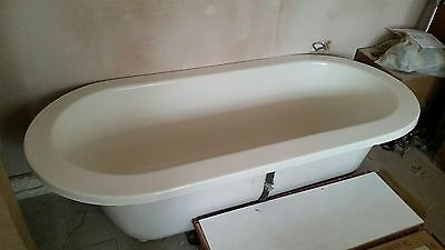 Freestanding roll top double ended bath tub