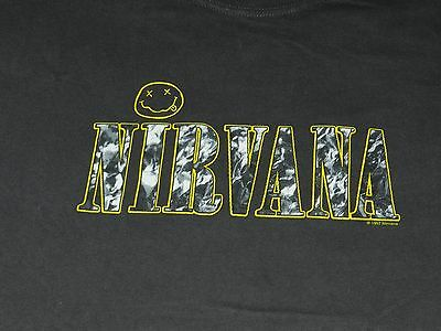 Vintage 1997 Nirvana T Shirt ( men's XL)