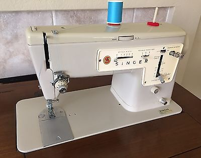 Vintage SINGER STYLIST 457 SEWING MACHINE in Cabinet-Mint Condition!