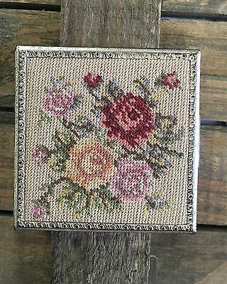 Vtg EVANS Needlepoint/Petit Point Makeup Cosmetic Powder Compact Flowers Square