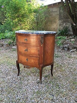 ADORABLE PETITE COMMODE STYLE L XV Epoque 1900