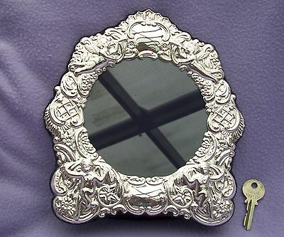 LARGE SOLID SILVER PICTURE FRAME  - SHEFFIELD 1997 - MAKER RC -  225mm x 200mm