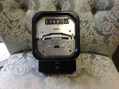 Vintage Electric meter, good working condition, see pictures please.no-5