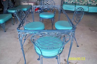 Vintage Woodward Wrought Iron patio Table and Chairs