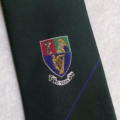 PURE SILK CLUB ASSOCIATION SOCIETY TIE VINTAGE GREEN 1980s 1990s SHIELD CRESTED