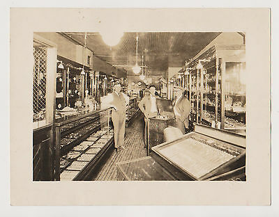 """EARLY """"IN STORE"""" UPRIGHT PHONOGRAPH  PHOTO- Circa 1911-1918"""