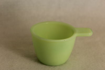 Jadite Jadeite 1/4 Cup Measuring Cup by Jeanette ~ Great Condition!