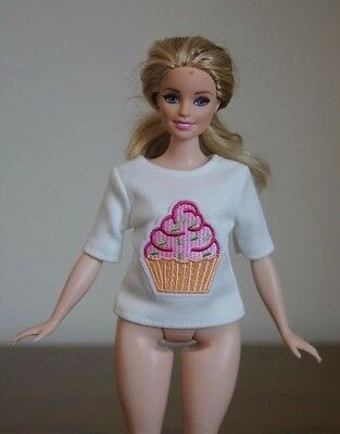 "Clothes for Curvy Barbie Doll. T-Shirt ""Cupcake"" Applique for Dolls."