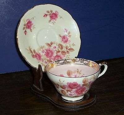 Royal Sutherland Fine Bone China Tea Cup And Saucer Roses Gold Trim