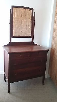Dressing Table - antique oak - 3 drawers - very good condition