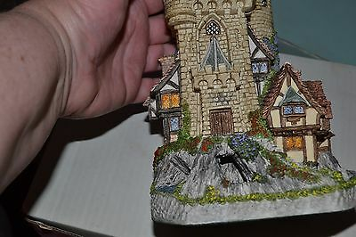 David Winter collectibles limited edition Guardian Castle British made 1993