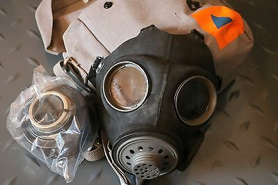 WW2 British / Canadian Mk II Gas mask + carrying pouch & new filter