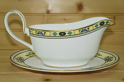 """Minton Ashworth S780 Gravy Boat and Underplate, 8 1/2"""" x 5 5/8"""""""