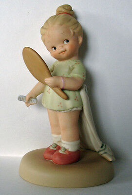 Enesco Memories of Yesterday NOW I'M THE FAIREST OF THEM ALL Girl w/mirror MIB