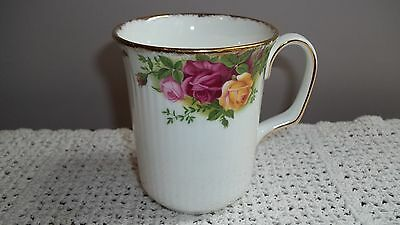 Royal Albert Coffee Tea Mug Cup Old Country Roses Pattern Bone China Ribbed