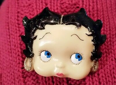 """Vintage Betty Boop Brooch Pin Molded Hard Plastic Unmarked 1.75"""" W x 1.25"""" T"""