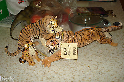 SIBERIAN TIGER FAMILY SAFARI Ltd. VANISHING WILD COLLECTION 1990s OOP w TAGs