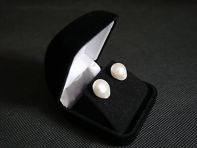 natural pearl earrings, south sea pearls hand picked from Asia. 01