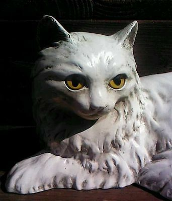 1983 UNIVERSAL STATUARY #236 CERAMIC WHITE PERSIAN CAT Yellow Cats Eyes 12""