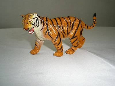 1996 Safari Ltd Tiger 6 inch long Toy Collectible