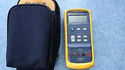 Fluke 712 RTD calibrator very good condition with leads, case, H80 holster