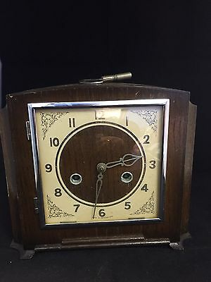 Vintage Oak Cased Art Deco Mantel Clock In Working Order