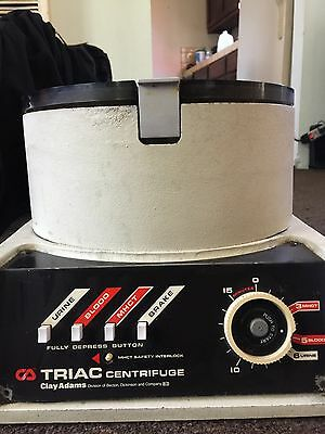 Clay Adams Triac 420200 Centrifuge, Medical, Laboratory Equipment, Healthcare