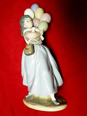 "LLADRO figurine "" BALLOON SELLER"" #5141 retired 1996, mint condition REDUCED $"