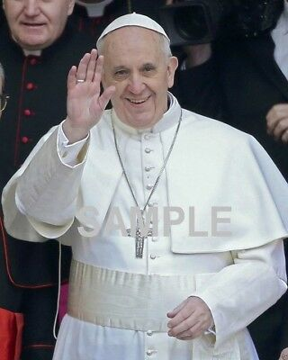POPE FRANCIS Wonderful Candid PHOTO