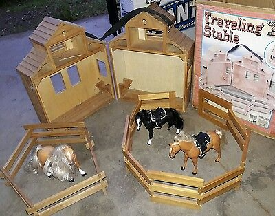 Fits Traditional Breyer Horses Groton Stables W/ corals & 3 Toy Horses Barn Lot