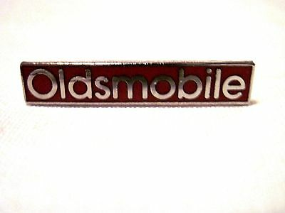 Oldsmobile Silver And Red  Hat Pin,lapel Pin, Olds