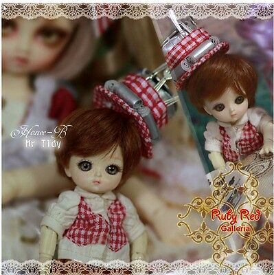 Ruby Red Galleria Honee-B BJD Mr. Tidy NRFB