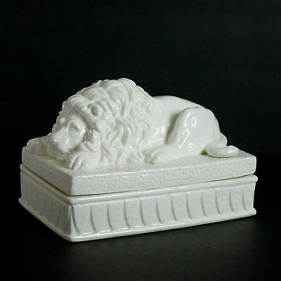 Vintage Lion Trinket Box White Blanc de Chine Fitz Floyd Japan Ceramic