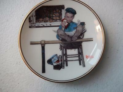 Norman Rockwell - FEEDING TIME  Miniature Plate