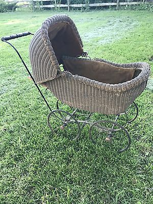 Antique Wicker Baby Doll Carriage