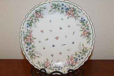 """Andrea by Sadek Floral Ribbed Gold Edge 10.5"""" Plate Excellent"""