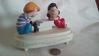 Hallmark 2000 Peanuts A Joyful Song:  Schroeder and Lucy Music Box