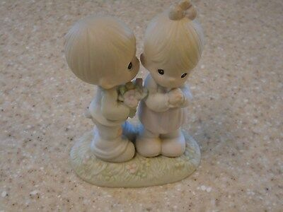 "Precious Moments figurine by Enesco 1989 ""Love is from above"" # 521841"