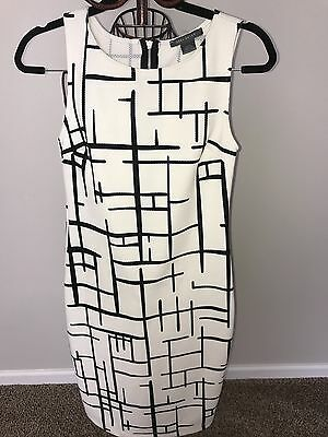 Suzy Shier Black And White Women's Form Fitted Dress Size Medium