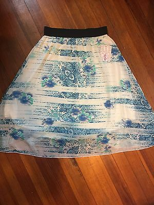 Gorgeous white and blue LulaRoe Lola Skirt New with tags!! Size small